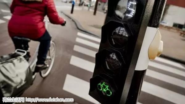 三十多个组织机构发起倡议 要求更严格的交通执法