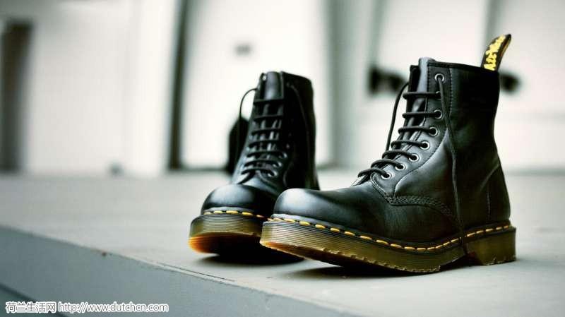 爆料|秋冬街拍出镜率最高的马丁靴,官网限时折扣高达60%off