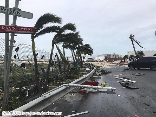 70%的房屋都被毁了,国王说圣马丁岛的破坏比任何战争都要严重