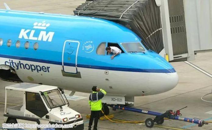 荷航飞行员爆料离职时必须要签署一个奇怪的协议...