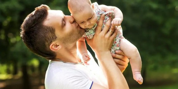 官宣!荷兰政府批准给新生儿父母增加9个星