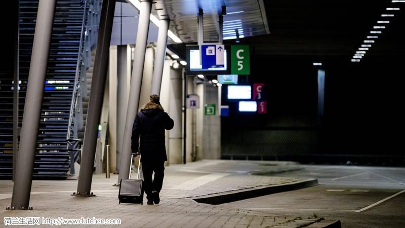 公交罢工还没结束,机场也罢工了!荷兰的1月,你基本别想出门了…