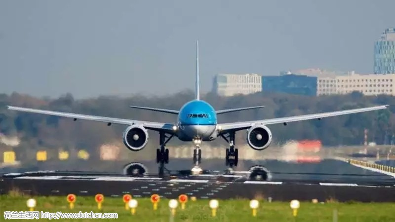 KLM航空公司因明天的飓风而取消航班