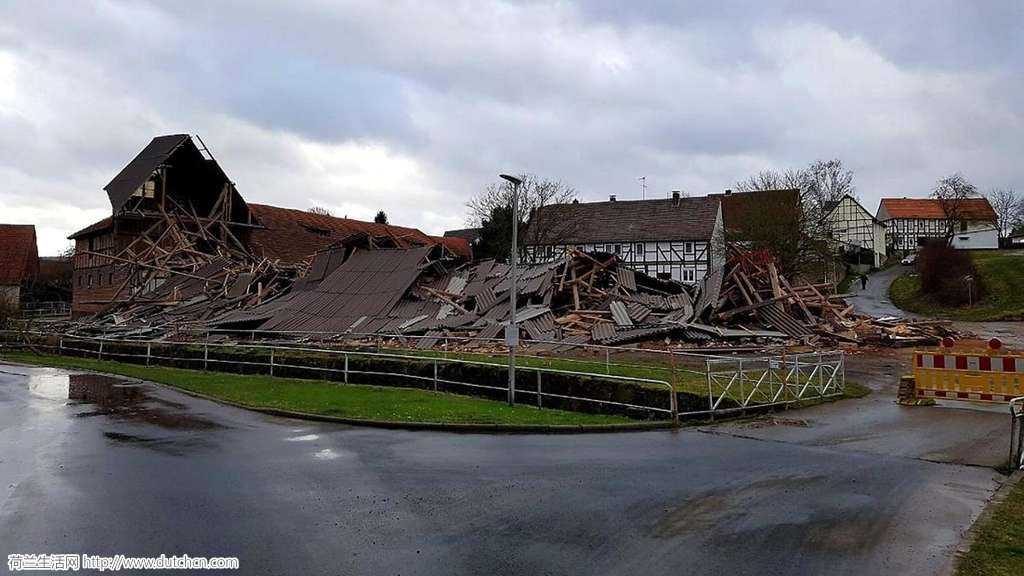央视都震惊了!世纪飓风狂虐后的荷兰,竟变成这样…德国更惨烈…