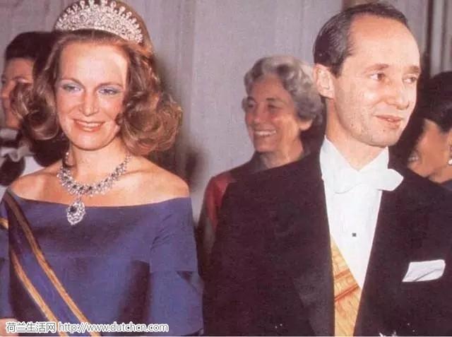 荷兰公主不顾一切嫁给西班牙王子,其长子如今深陷丑闻
