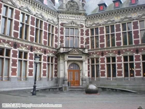 荷兰学生害怕'英语狂'使他们处于不利地位
