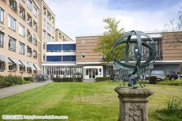 荷兰年轻人免费入住高级养老院,代价是你的时间!