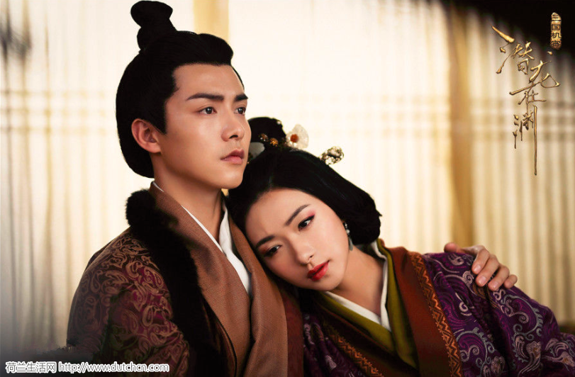 这部剧中所塑造的汉献帝应该是三国史上最帅,最有谋略的!! 哈哈~~