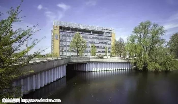 有史以来第一座楼顶农场,海牙飞利浦的办公大楼就是任性!