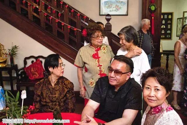 这个族群是欧洲血统,在中国居住几百年,归属感强烈想入中国国籍!