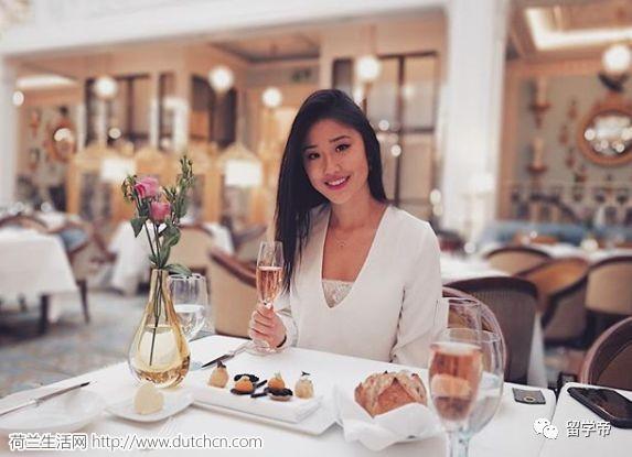 中国18岁牛津性感女学霸惊艳外国网友:长得比你美,还比你努力