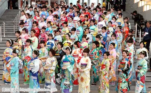 日本为东京奥运定制196个国家特色和服,中国款惊艳,荷兰款逆天!
