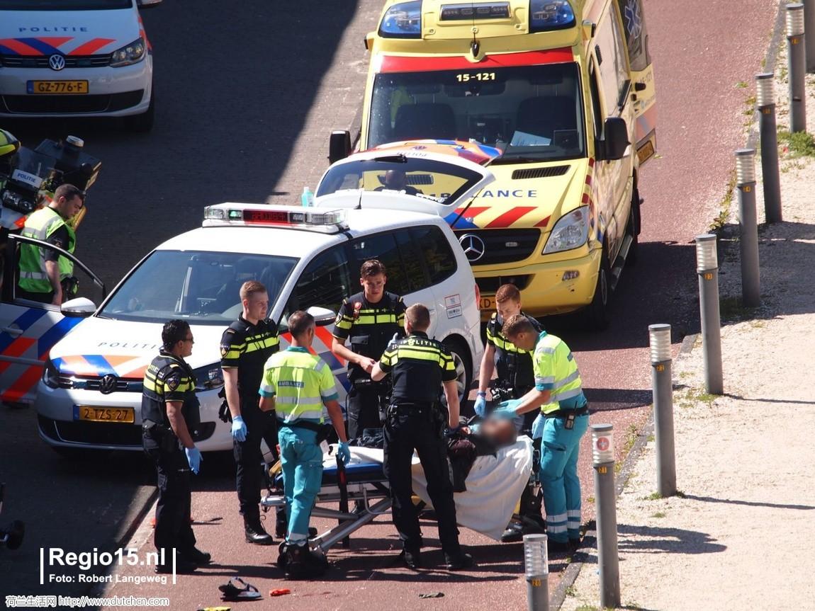 突发!海牙大学发生持刀捅人事件!反恐部队出动,多人受伤