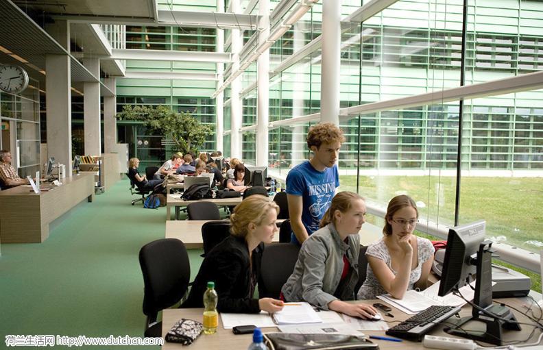 刚刚,13所荷兰大学达成一致!限制留学生录取!咋的…不让中国学生读书了?