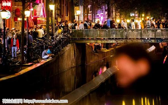 红灯区即将迁出阿姆斯特丹市中心?因为游客太多了