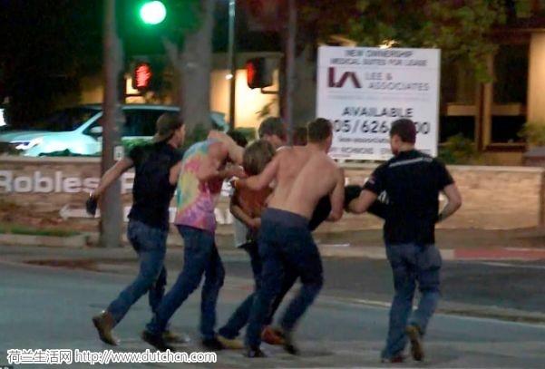 突发,大屠杀!美国前海军陆战队员冲进酒吧疯狂扫射,25人死伤!白宫降半旗~