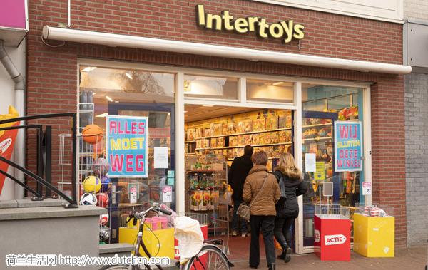 大量玩具清仓促销?有人做了个Intertoys门店关店地图