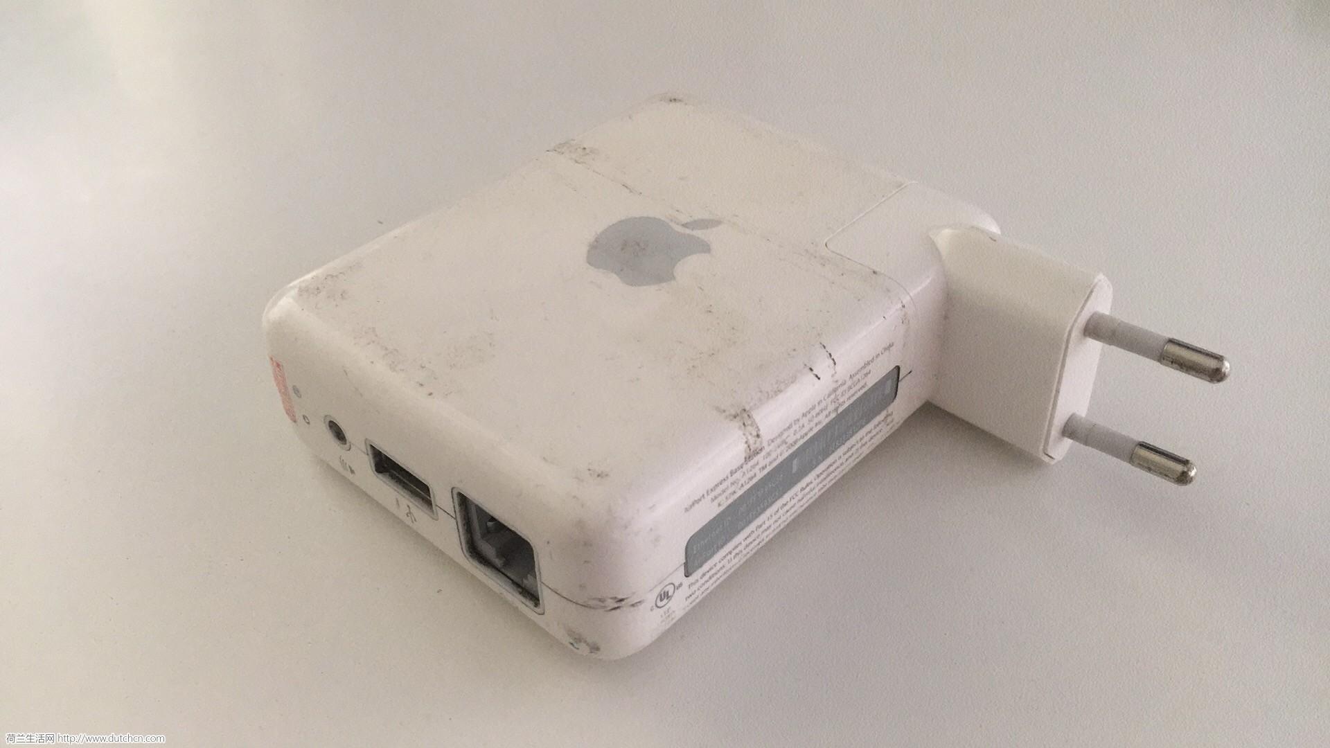 出苹果路由器和相机三脚架(也可以转接手机)