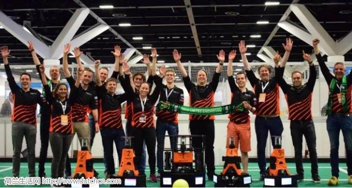 """荷兰埃因霍温理工大学赢得了""""机器人世界杯"""""""