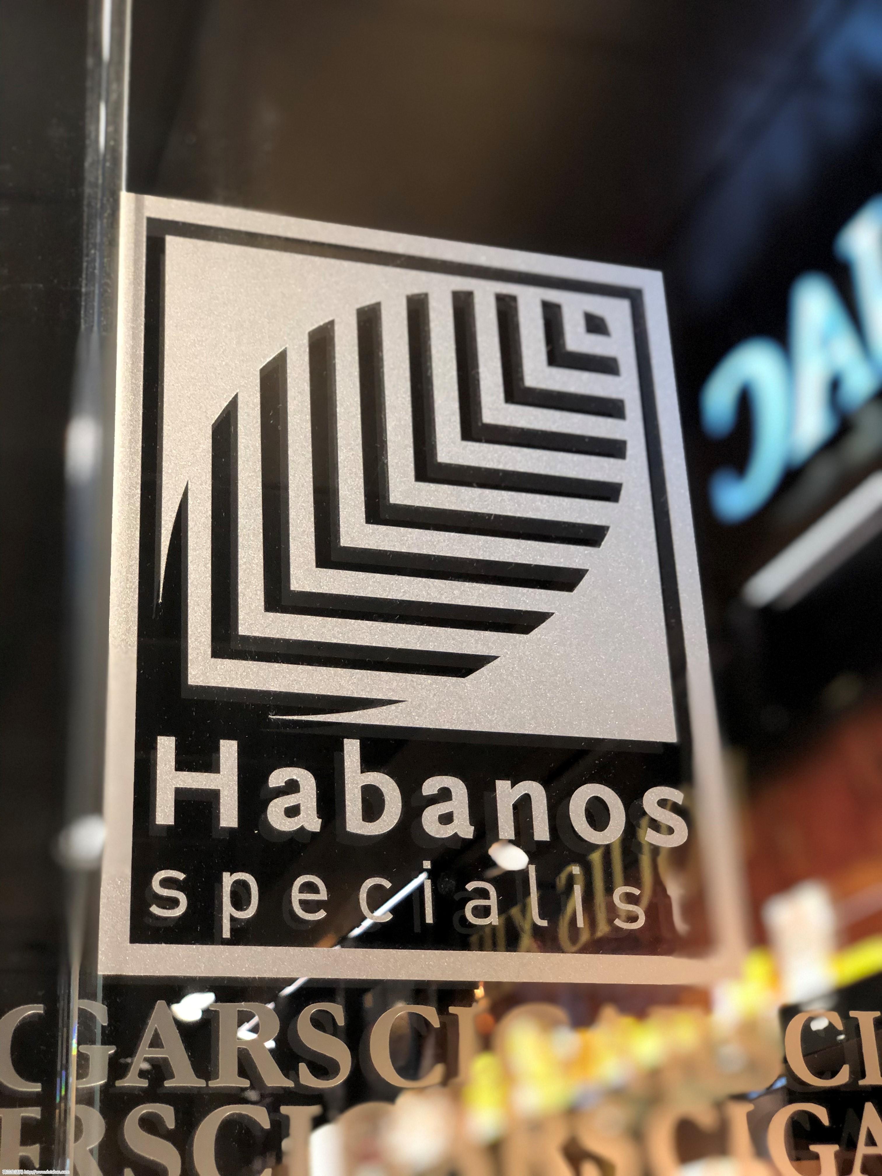 号称古巴雪茄的王者,COHIBA限量版雪茄入驻史基浦机场精品店