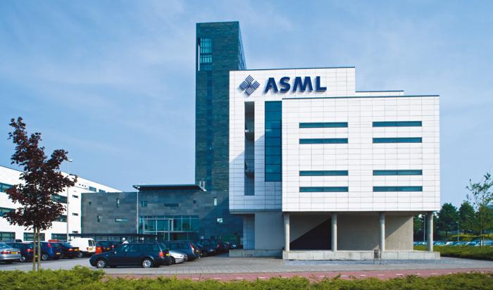 为了不让荷兰ASML卖光刻机给中国企业,美国人操碎了心……