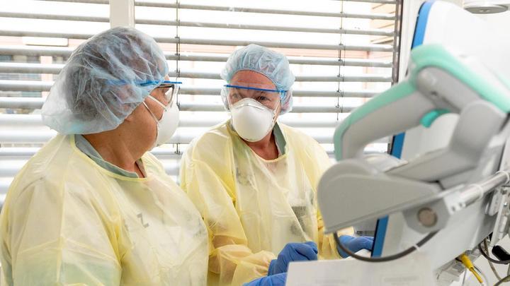 荷兰已有近500新冠患者接受重症监护,重症病床即将用尽