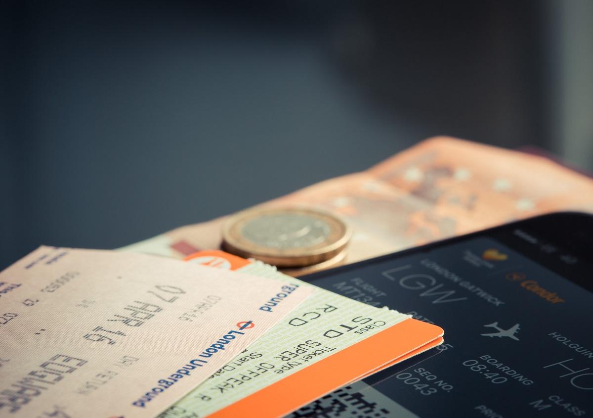 iphone-travel-euro-ticket-69866.jpg