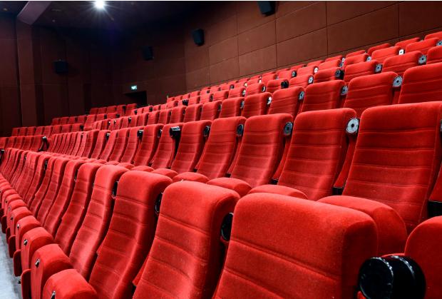扛不下去了…荷兰电影院打算重新开放?排片少?票价涨?