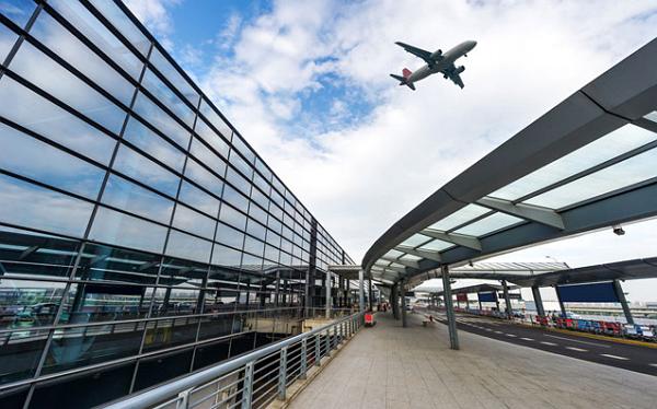 荷兰往返中国航班即将增多,民航局下周开始实施最新政策