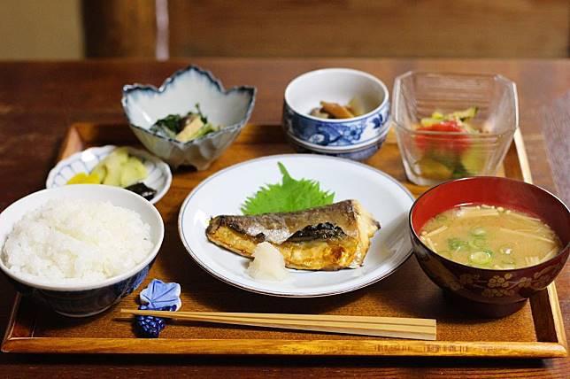 日式 餐.jpg