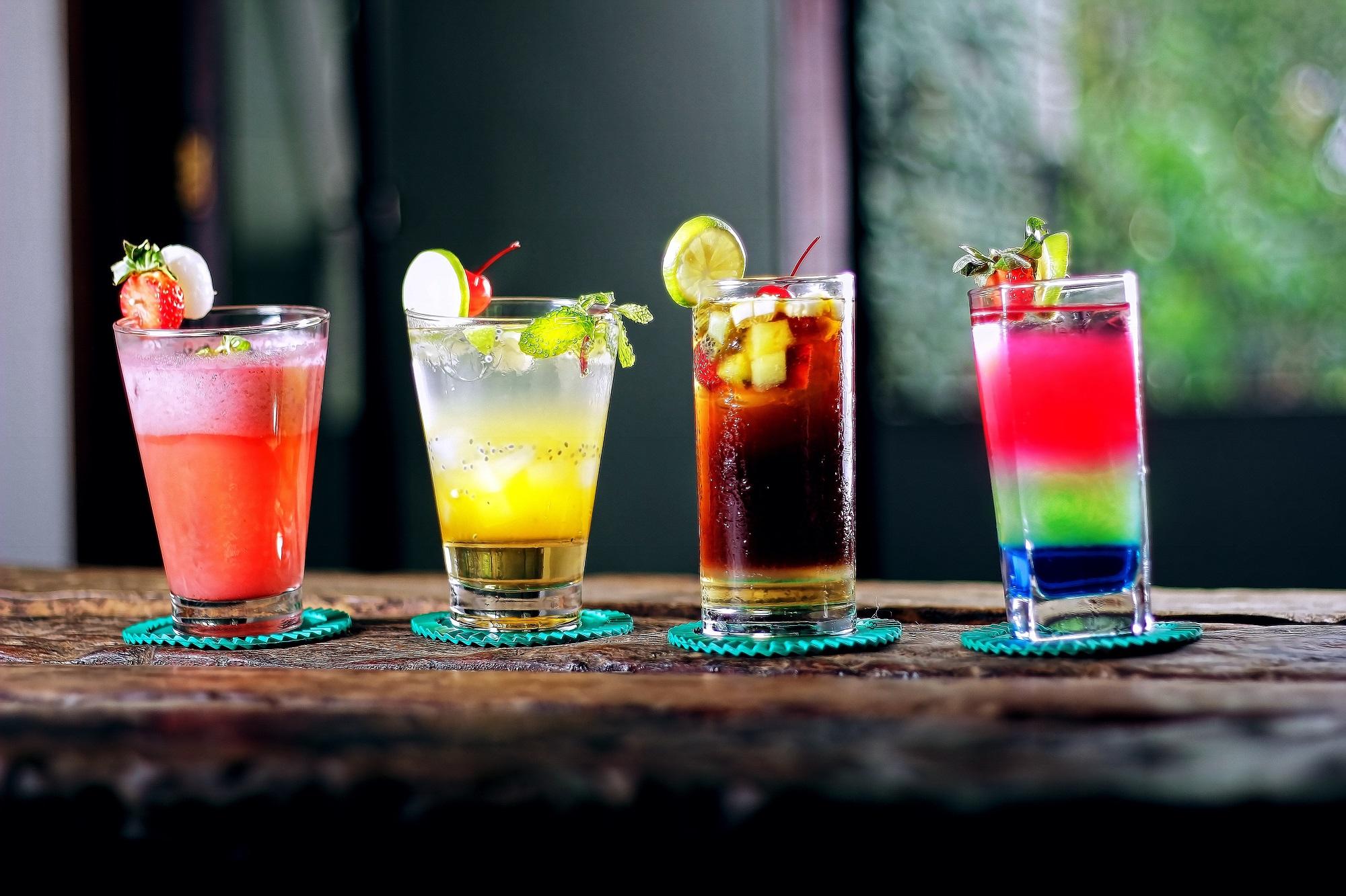 alcoholic-beverages-bar-beverage-cocktail-605408.jpg