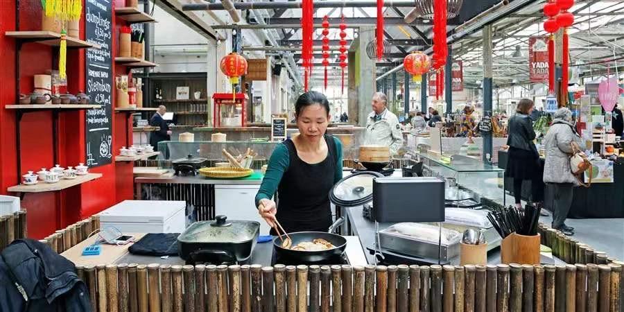 荷兰多少中国人?留学生多少?在哪读书?统计局给出答案了