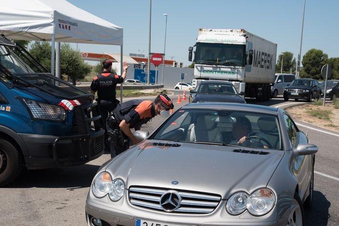 """自驾游?巨堵车!地表温度65度!欧洲高速路将迎来一年一度的""""黑色星期六"""""""