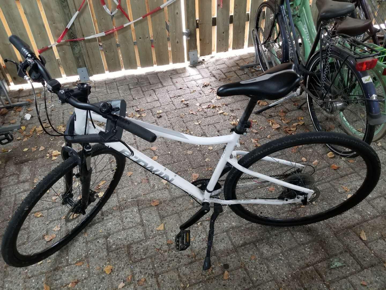 出二手山地自行车180欧,价格可谈,需要请加微信hbpk1994