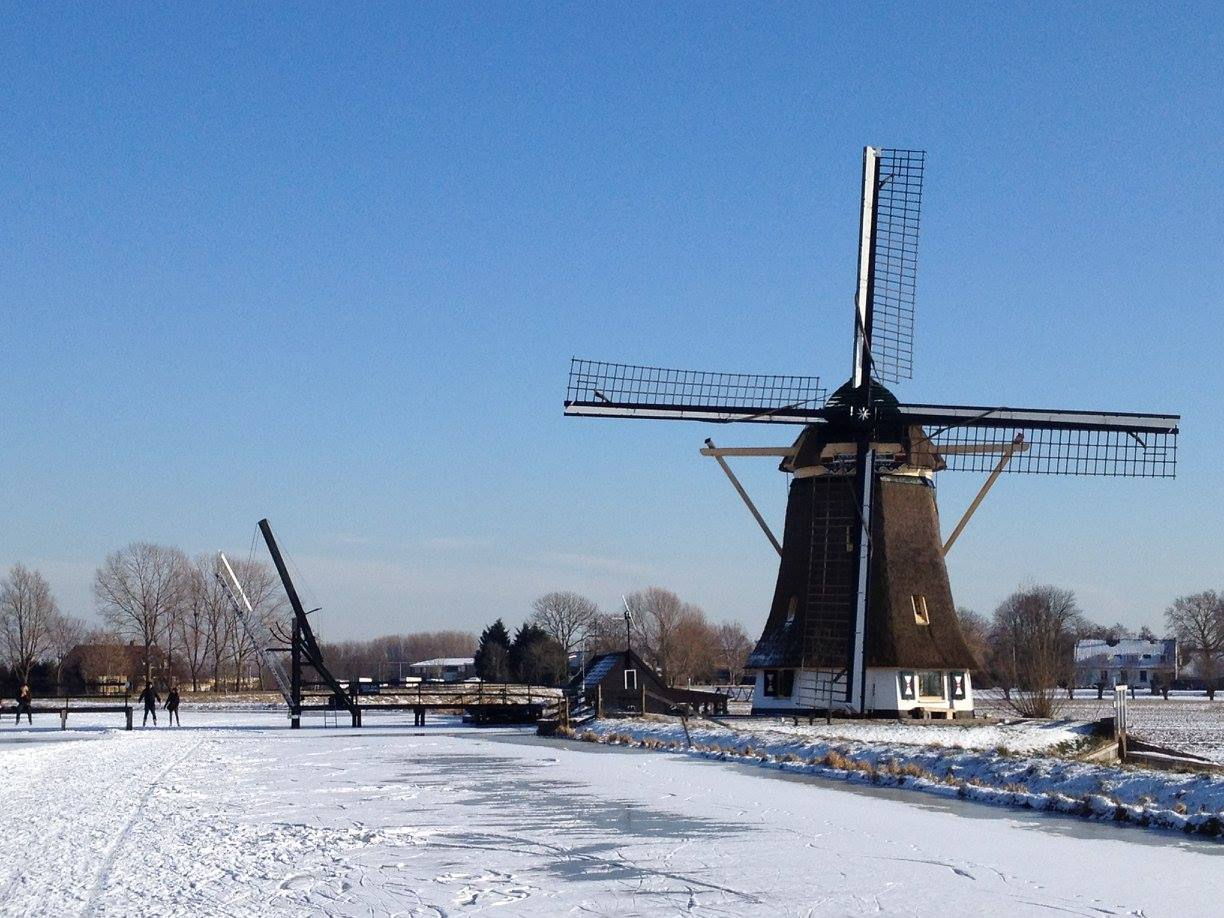 windmill-in-the-snow.jpg