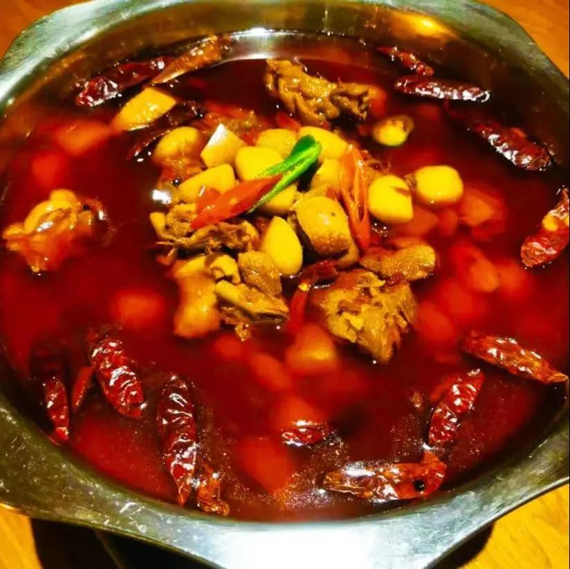 9欧红椒鸡、特价麻辣香锅!实惠味美的老牌川菜馆发福利了!