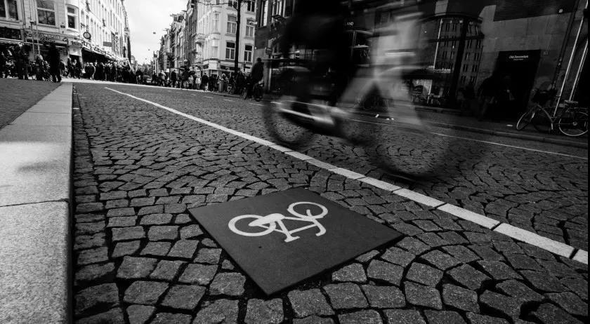 荷兰统计局:自行车交通事故高涨,去年死亡人数是25年之最
