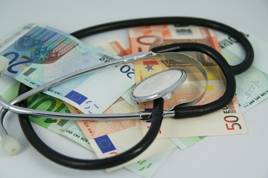 doctor-euros-healthcare-cost1.jpg