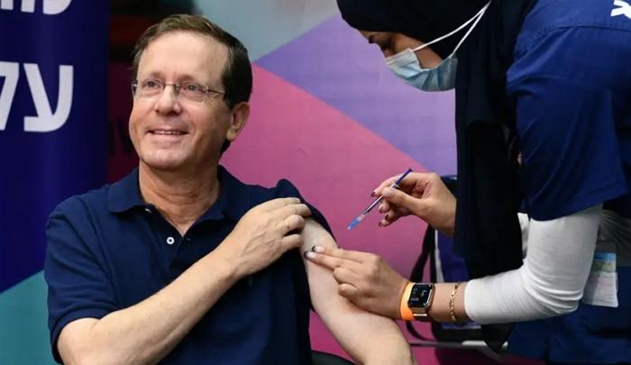 以色列本周开打第三针新冠疫苗,欧盟各成员国本年底跟进?