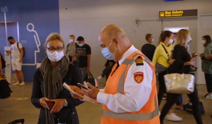 多家航空公司入境检查不够严格,各政党要求荷兰政府撤查