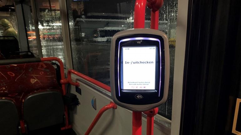 Inchecken-in-bus-of-tram-van-HTM-met-je-OV-chipkaart-Foto-Omroep-West.jpg