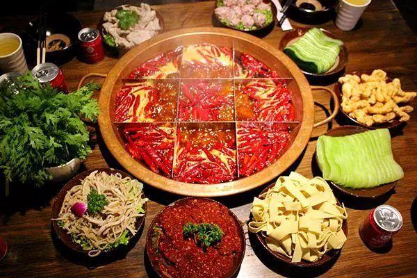 秦始皇也统一不了的中国胃,火锅做到了!纵横江湖,就靠这一锅!