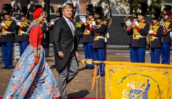 荷兰一年一度的王子日,国王的演讲透露了什么信息,进来看
