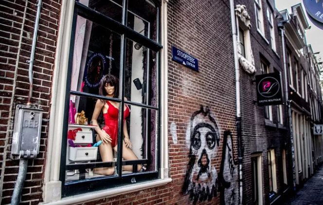 荷兰色情业政策受冲击了?年轻人签名请愿禁止嫖娼